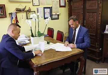 Park – M podpisuje umowę na budowę bulwarów w Uniejowie